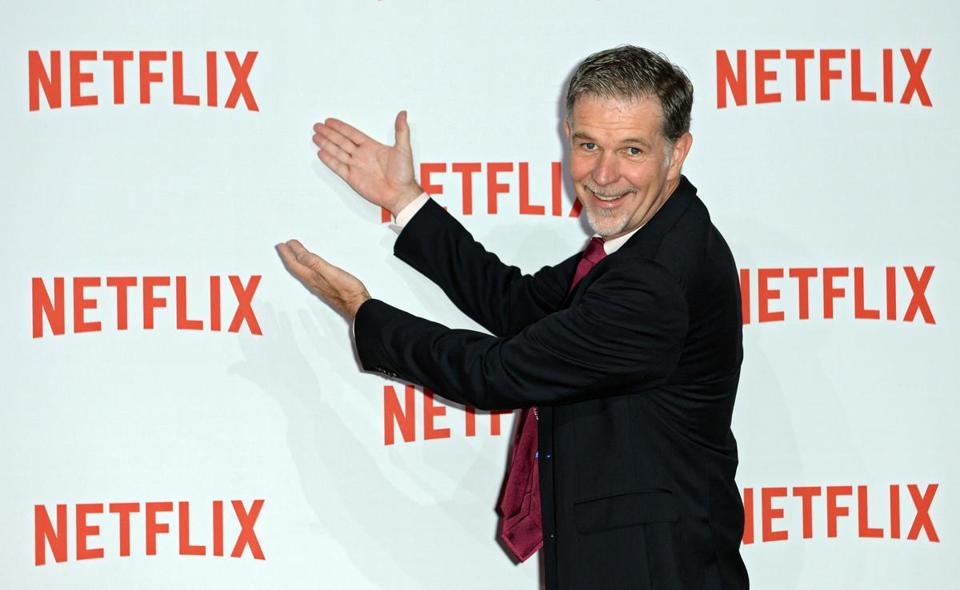 epa05111102 (FILE) A file picture dated 16 September 2014 of Netflix CEO Reed Hastings arriving for the Netflix party in Berlin, Germany. Netflix is to release their 4th quarter results on 19 January 2016. EPA/BRITTA PEDERSEN *** Local Caption *** 51572622